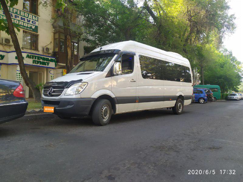 Бус на заказ. Аренда микроавтобуса Mercedes Sprinter VIP