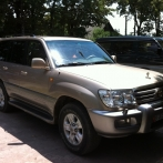 Toyota Land Cruiser 100吉普车