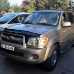 Rent car Toyota Sequoia №1