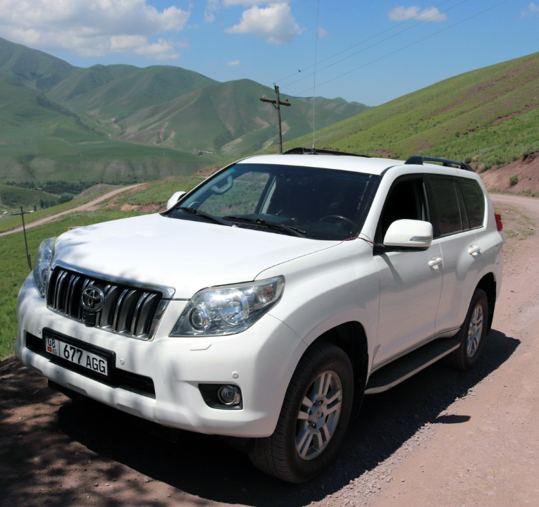 Rental SUV Toyota Land Cruiser 150