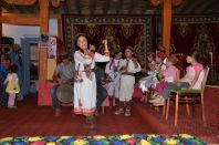 National_Pamirian_dances_in_the_Khorog.JPG